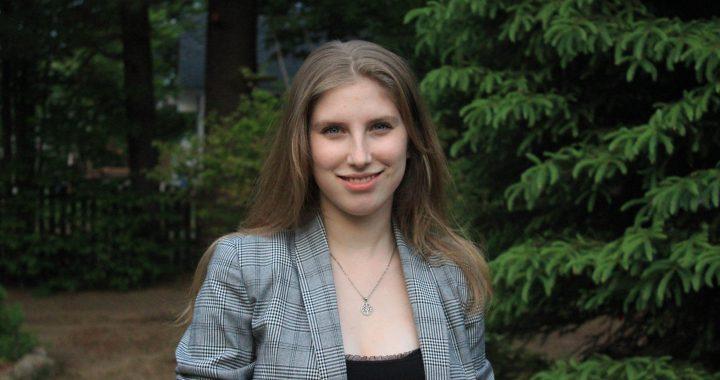 Mégane Garceau remporte le prix coup de cœur du Devoir de la presse étudiante