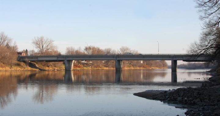 La réalisation des plans et devis pour l'élargissement du pont Rivest débute